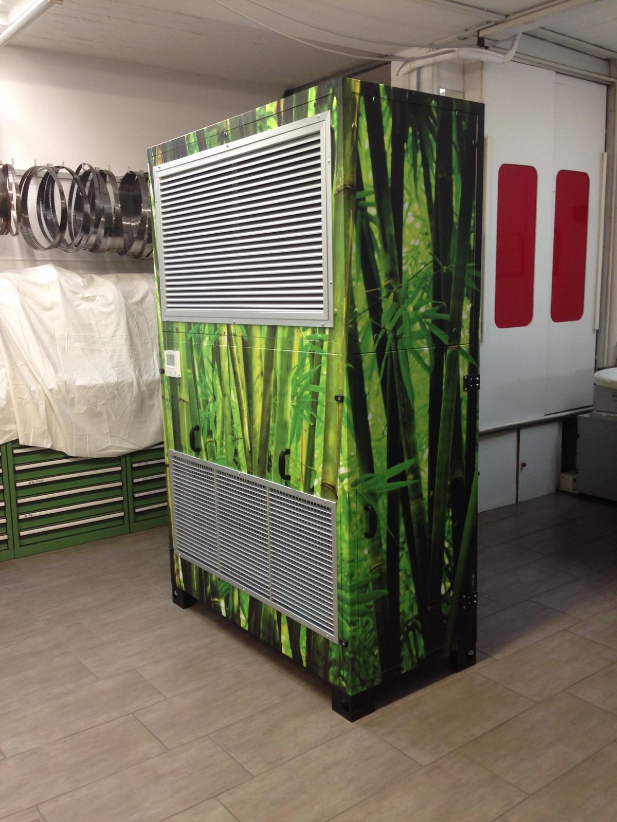 ARIABOX dedicato alla climatizzazione di aziende a stampo commericale ed industriale. L'unica al mondo che: Riscalda- Raffresca - deumidifica - Depura l'aria - Deodora gli ambienti